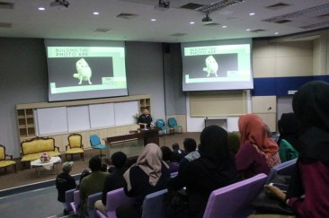 Pierre engaging students of Universiti Utara Malaysia.